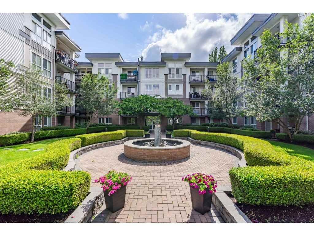 "Main Photo: 114 5430 201 Street in Langley: Langley City Condo for sale in ""SONNET"" : MLS®# R2466261"