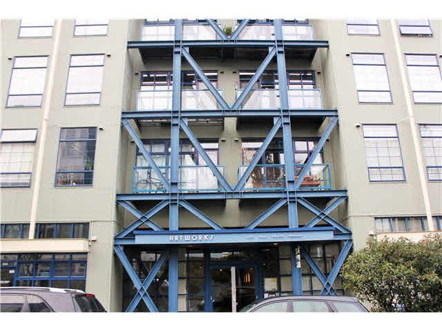 """Main Photo: 204 237 E 4TH Avenue in Vancouver: Mount Pleasant VE Condo for sale in """"THE ARTWORKS"""" (Vancouver East)  : MLS®# V1102209"""