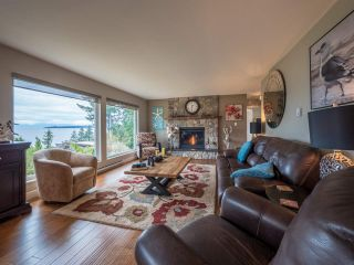 Photo 2: 9199 REGAL Road in Sechelt: Halfmn Bay Secret Cv Redroofs House for sale (Sunshine Coast)  : MLS®# R2252875
