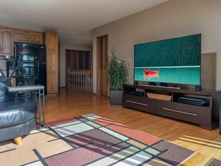 Photo 12: 90 Healy Crescent in Winnipeg: River Park South Residential for sale (2F)  : MLS®# 202122238