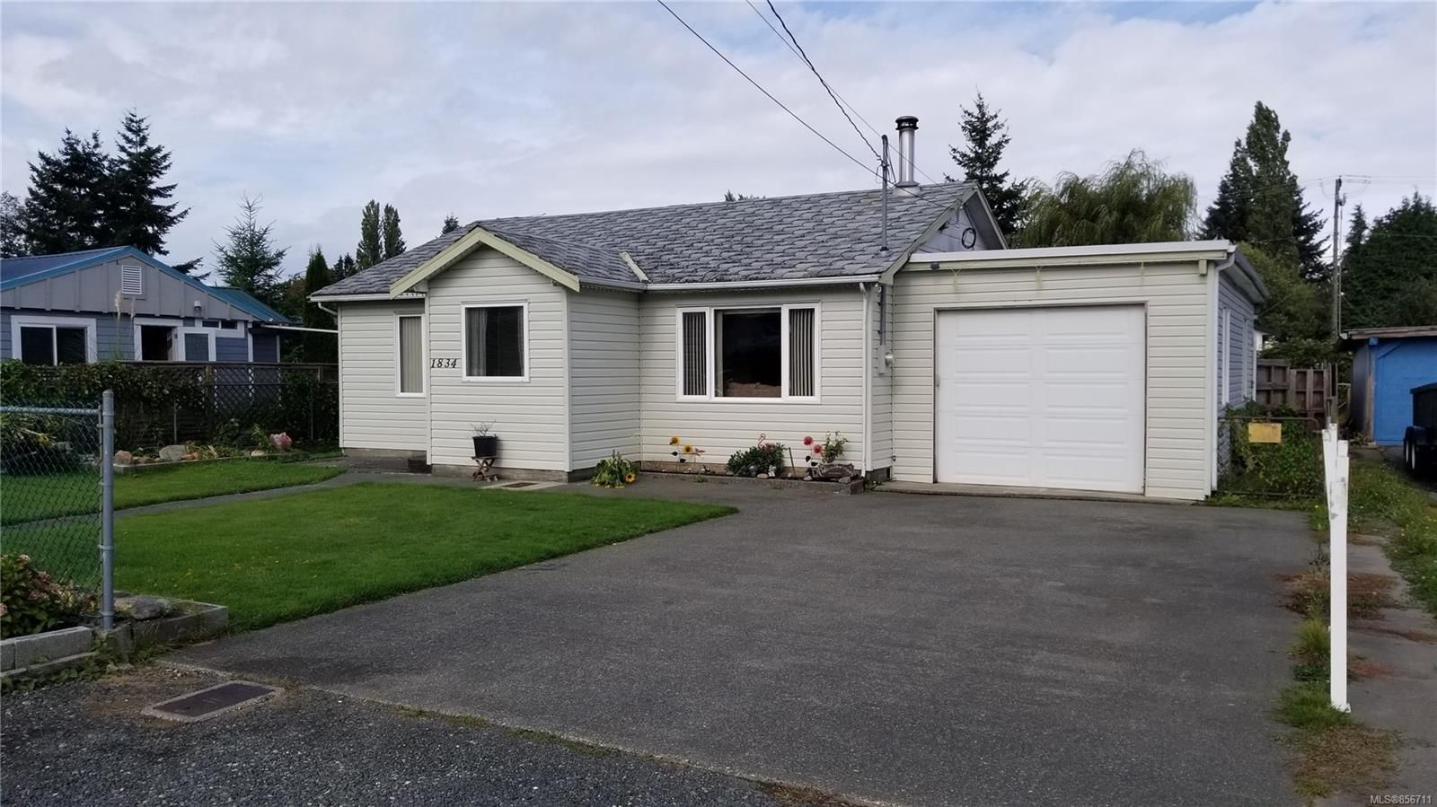 Main Photo: 1834 15th Ave in : CR Campbellton House for sale (Campbell River)  : MLS®# 856711