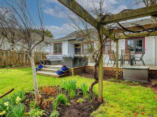 Photo 20: 2024 Newton St in : OB Henderson House for sale (Oak Bay)  : MLS®# 870494