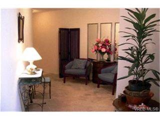 Photo 6:  in VICTORIA: SE Quadra Condo for sale (Saanich East)  : MLS®# 412213