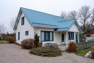 Photo 1: 65038 PTH 44 Highway: Whitemouth Residential for sale (R18)  : MLS®# 202026800