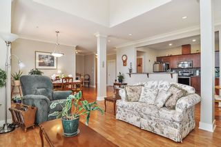 "Photo 4: 403 5430 201 Street in Langley: Langley City Condo for sale in ""SONNET"" : MLS®# R2479935"