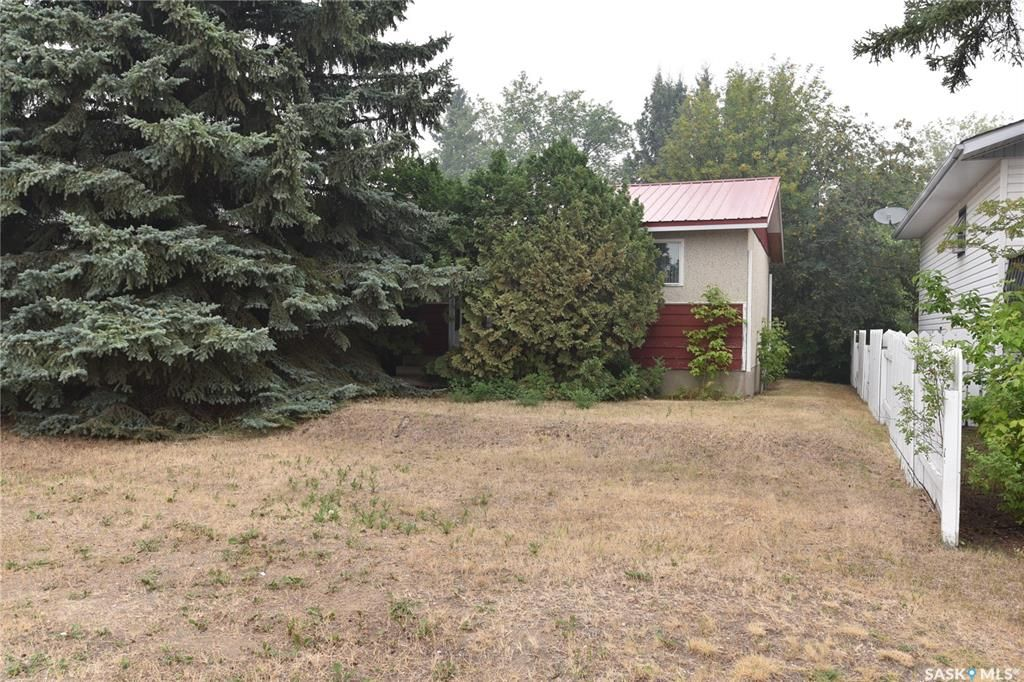 Main Photo: 313 8th Avenue West in Nipawin: Residential for sale : MLS®# SK865601