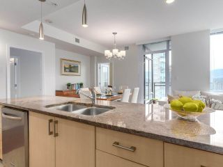"""Photo 12: 1705 1211 MELVILLE Street in Vancouver: Coal Harbour Condo for sale in """"THE RITZ"""" (Vancouver West)  : MLS®# R2173539"""