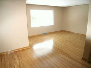 Photo 3:  in CALGARY: Capitol Hill Residential Attached for sale (Calgary)  : MLS®# C3163191