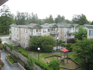 """Photo 11: 416 10707 139TH Street in Surrey: Whalley Condo for sale in """"Aura 2"""" (North Surrey)  : MLS®# F2824909"""