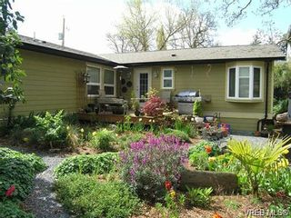 Photo 2: 2586 Wentwich Rd in VICTORIA: La Mill Hill House for sale (Langford)  : MLS®# 703032