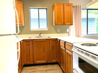 Photo 2: 19-211 Buttertubs Place in Nanaimo: Residential for rent