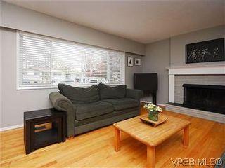 Photo 6: 1854 Elmhurst Pl in VICTORIA: SE Lambrick Park House for sale (Saanich East)  : MLS®# 572486