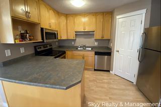 Photo 10: University Ave in Edmonton: House Duplex for rent