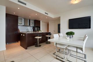 """Photo 4: 2005 1028 BARCLAY Street in Vancouver: West End VW Condo for sale in """"PATINA"""" (Vancouver West)  : MLS®# R2149030"""