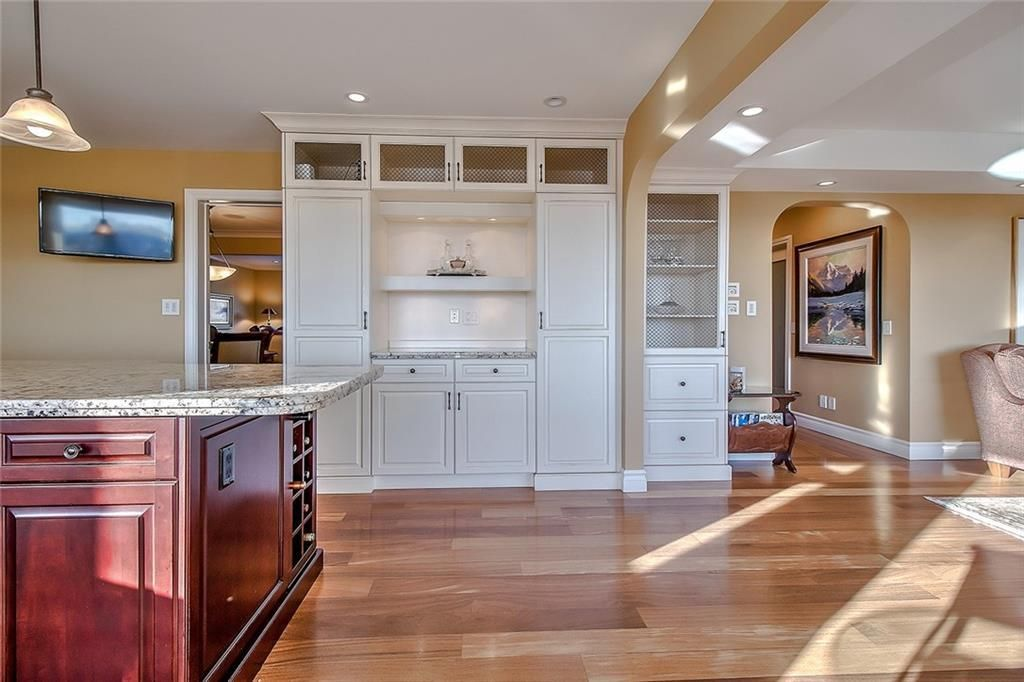 Photo 14: Photos: 153 SIGNATURE Close SW in Calgary: Signal Hill Detached for sale : MLS®# C4283177