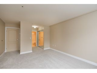 """Photo 11: 205 1569 EVERALL Street: White Rock Condo for sale in """"SEAWYND MANOR"""" (South Surrey White Rock)  : MLS®# R2413623"""