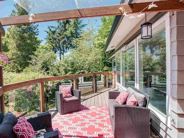 Photo 4: Photos: 10690 Westside Drive in Delta: House for sale (Delta, BC)  : MLS®# R2466412