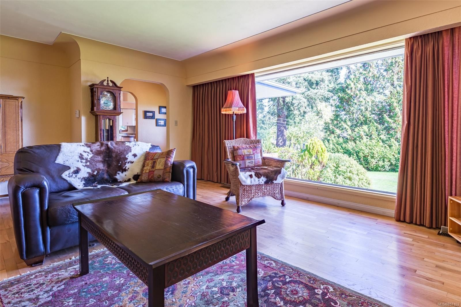Photo 11: Photos: 4241 Buddington Rd in : CV Courtenay South House for sale (Comox Valley)  : MLS®# 857163