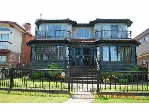 "Main Photo: 3258 E 17TH Avenue in Vancouver: Renfrew Heights House for sale in ""RENFREW HEIGHTS"" (Vancouver East)  : MLS®# V921404"