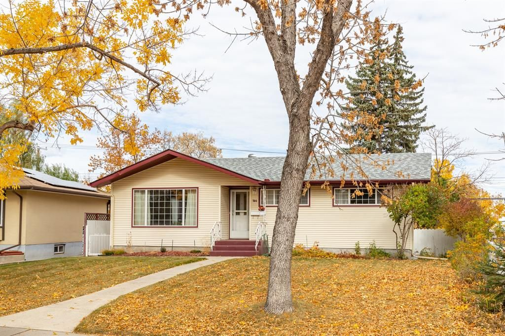 Main Photo: 144 Franklin Drive SE in Calgary: Fairview Detached for sale : MLS®# A1150198