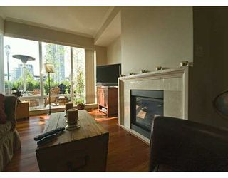 """Photo 2: 428 BEACH Crescent in Vancouver: False Creek North Condo for sale in """"KINGS LANDING"""" (Vancouver West)  : MLS®# V626269"""