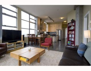 """Photo 2: 412 2635 PRINCE EDWARD Street in Vancouver: Mount Pleasant VE Condo for sale in """"SOMA LOFTS"""" (Vancouver East)  : MLS®# V793823"""