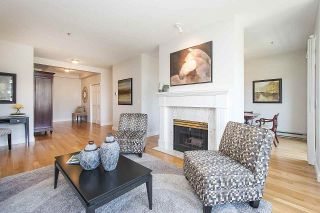 "Photo 3: 315 3777 W 8TH Avenue in Vancouver: Point Grey Condo for sale in ""THE CUMBERLAND"" (Vancouver West)  : MLS®# R2174467"