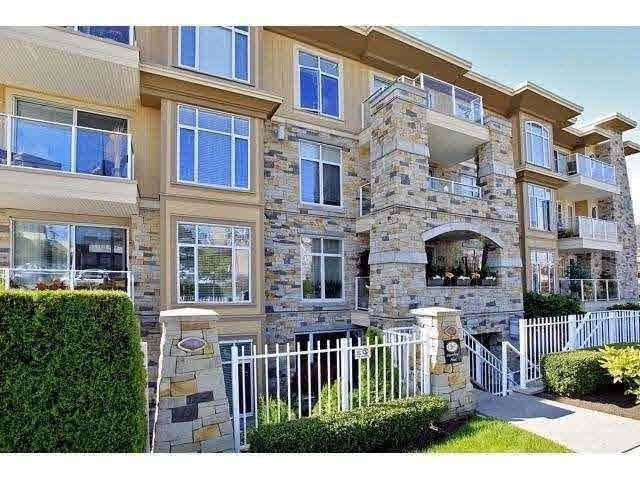 Great location within walking distance to all amenities
