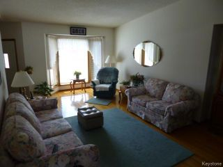 Photo 3: 71 Peres Oblats Drive in WINNIPEG: Windsor Park / Southdale / Island Lakes Residential for sale (South East Winnipeg)  : MLS®# 1511426