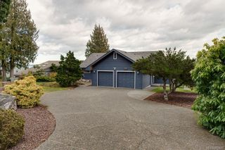 Photo 3: 8735 Pender Park Dr in North Saanich: NS Dean Park House for sale : MLS®# 868899