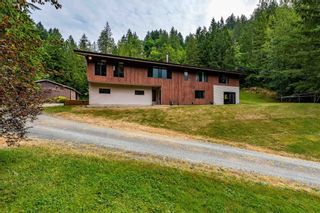 """Photo 26: 49199 CHILLIWACK LAKE Road in Chilliwack: Chilliwack River Valley House for sale in """"Chilliwack River Valley"""" (Sardis) : MLS®# R2597869"""