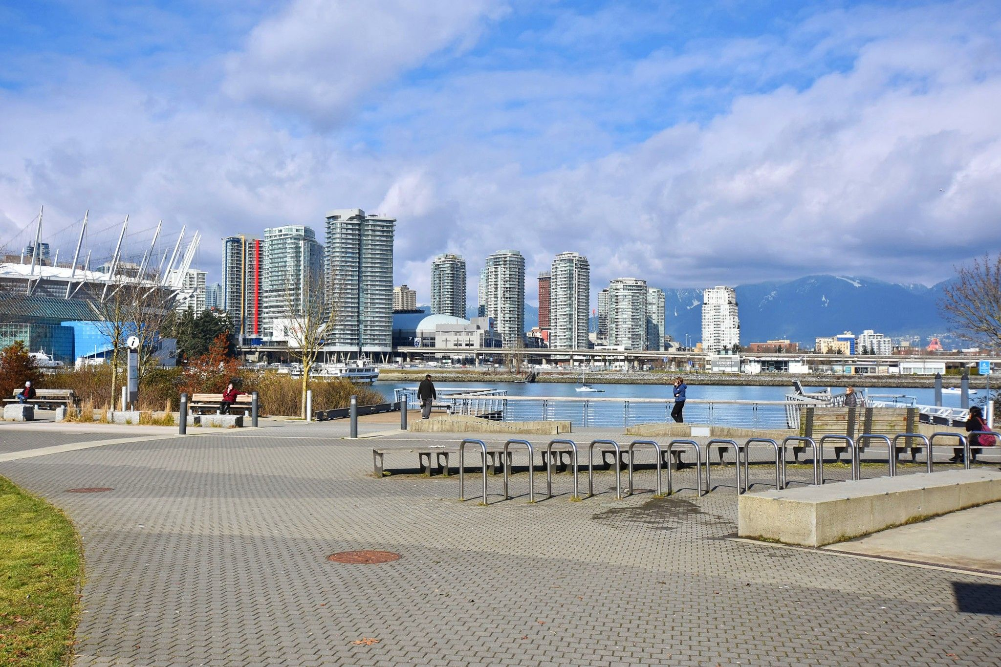 """Photo 22: Photos: 306 138 W 1ST Avenue in Vancouver: False Creek Condo for sale in """"WALL CENTRE FALSE CREEK"""" (Vancouver West)  : MLS®# R2360592"""