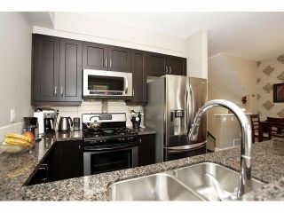 """Photo 11: 2 15454 32ND Avenue in Surrey: Grandview Surrey Townhouse for sale in """"Nuvo"""" (South Surrey White Rock)  : MLS®# F1324116"""
