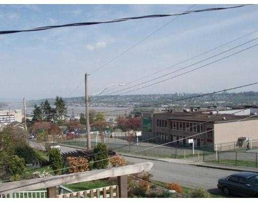"""Photo 7: Photos: 425 SCHOOL Street in New_Westminster: The Heights NW House for sale in """"SAPPERTON"""" (New Westminster)  : MLS®# V763952"""