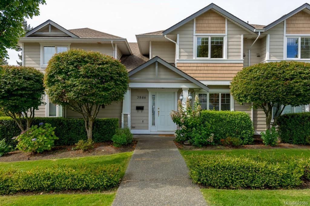Main Photo: 3846 Stamboul St in : SE Mt Tolmie Row/Townhouse for sale (Saanich East)  : MLS®# 625580