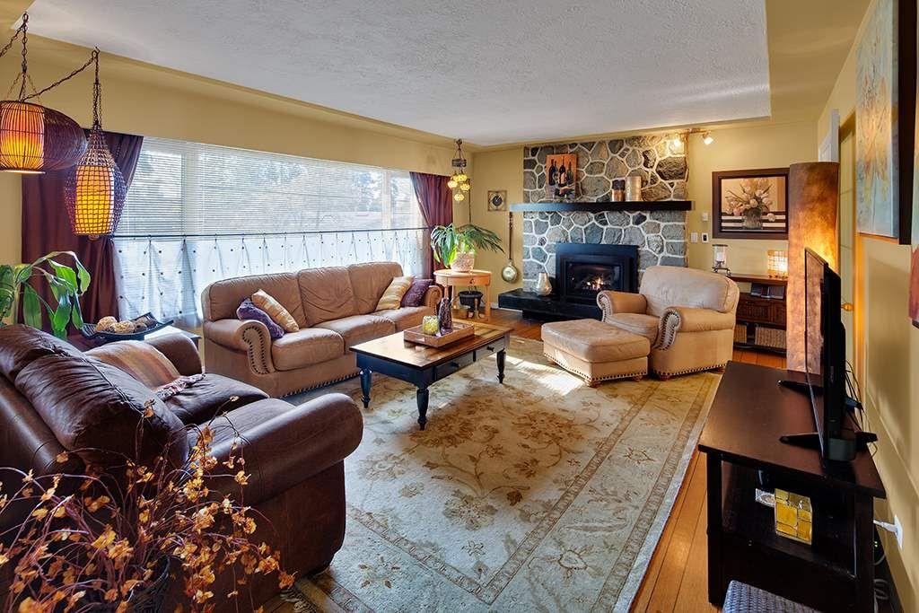 "Photo 3: Photos: 885 EILDON Street in Port Moody: Glenayre House for sale in ""GLENAYRE"" : MLS®# R2553137"