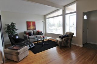 Photo 3: 524 34 Avenue NE in Calgary: Winston Heights/Mountview Semi Detached for sale : MLS®# A1078627