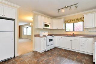 """Photo 8: 6337 SUNDANCE Drive in Surrey: Cloverdale BC House for sale in """"Cloverdale"""" (Cloverdale)  : MLS®# R2056445"""