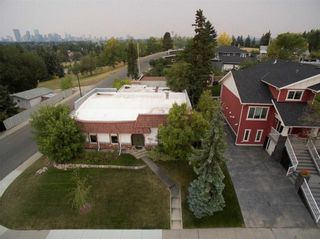 Photo 3: 23 CORNWALLIS Drive NW in Calgary: Cambrian Heights House for sale : MLS®# C4136794