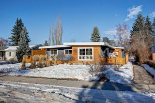 Photo 2: 12 Meadowlark Crescent SW in Calgary: Meadowlark Park Detached for sale : MLS®# A1091194