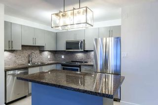 """Photo 4: 1304 2225 HOLDOM Avenue in Burnaby: Central BN Condo for sale in """"LEGACY TOWERS"""" (Burnaby North)  : MLS®# R2138538"""