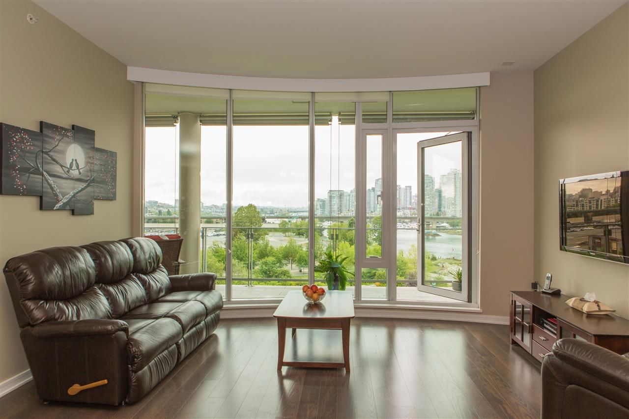 Photo 4: Photos: 606 1616 COLUMBIA STREET in Vancouver: False Creek Condo for sale (Vancouver West)  : MLS®# R2085306
