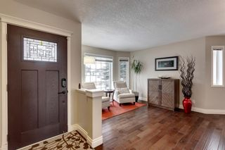 Photo 3: 87 Douglasview Road SE in Calgary: Douglasdale/Glen Detached for sale : MLS®# A1061965