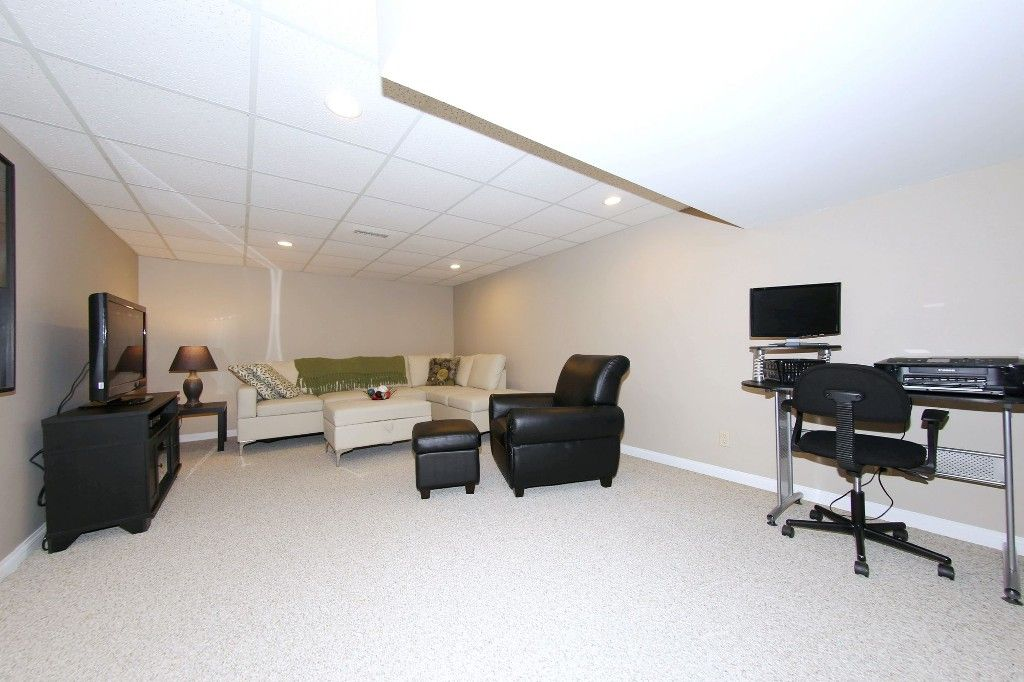Photo 31: Photos: 123 Hunterspoint Road in Winnipeg: Charleswood Single Family Detached for sale (1G)  : MLS®# 1707500