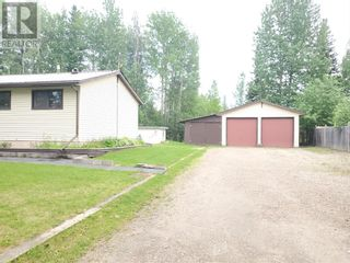 Photo 35: 5 Bedroom Bungalow with Double Detached Garage in Robb, AB