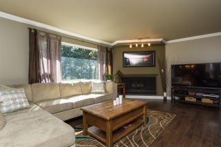 """Photo 2: 10648 SANTA MONICA Drive in Delta: Nordel House for sale in """"Canterbury Heights"""" (N. Delta)  : MLS®# R2073318"""