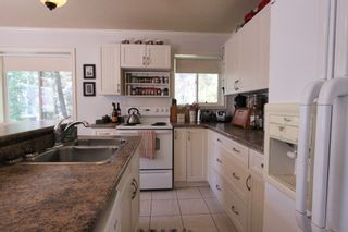 Photo 8:  in : Anglemont House for sale (North Shuswap)  : MLS®# 10239335