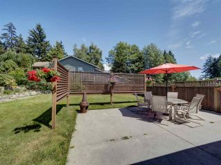 Photo 5: 6304 SAMRON Road in Sechelt: Sechelt District House for sale (Sunshine Coast)  : MLS®# R2469444