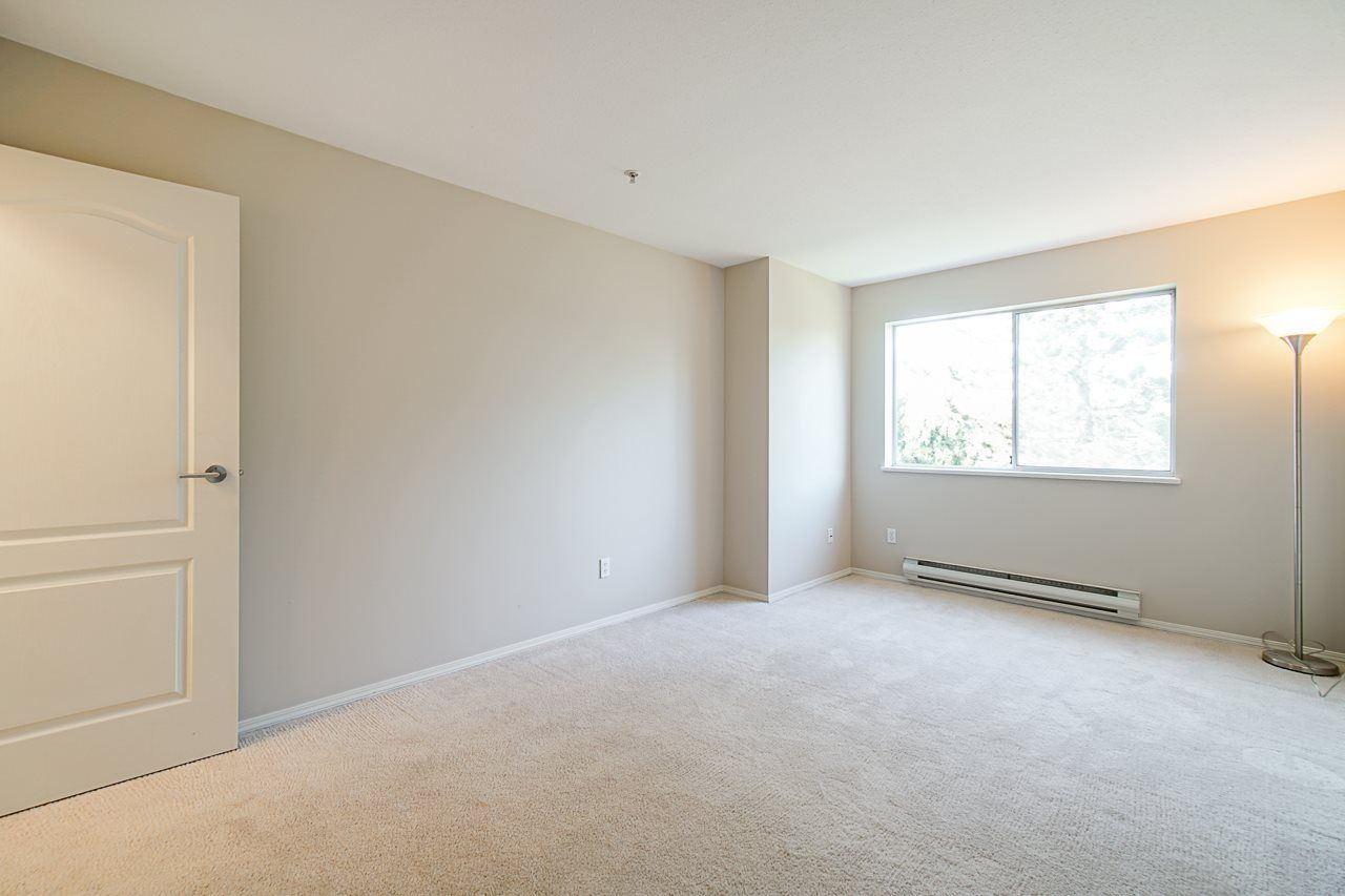Photo 25: Photos: 306 2962 TRETHEWEY STREET in Abbotsford: Abbotsford West Condo for sale : MLS®# R2470028