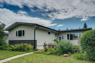 Photo 1: 27 BRAMPTON Crescent SW in Calgary: Braeside Detached for sale : MLS®# C4269646